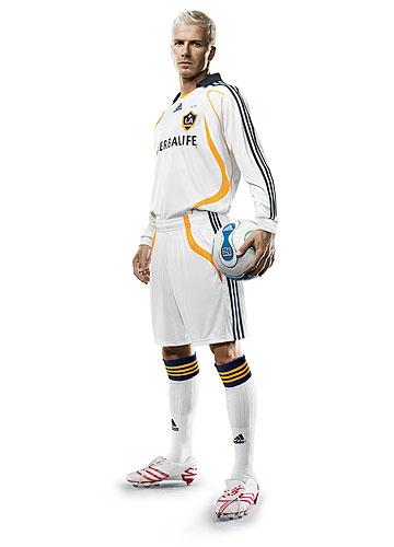 adidas dezvaluie noul echipament LA Galaxy - David Beckham