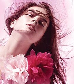 O poveste de dragoste intre parfum si piele