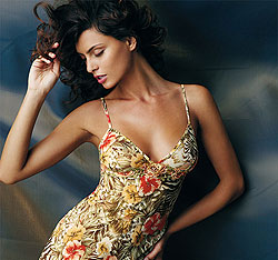 Catrinel Menghia, imaginea unor produse de lux