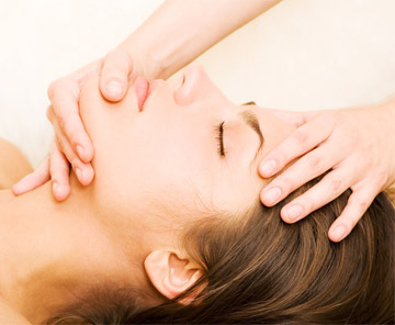Masajul facial, secretul pielii frumoase