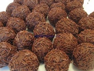 Trufe cu ciocolată neagră