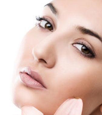 Crema antirid pentru ochi – necesara sau inutila?
