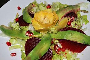 Salata de avocado cu anghinare